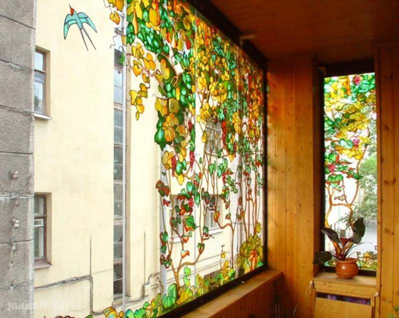 Витражное остекление балконов.